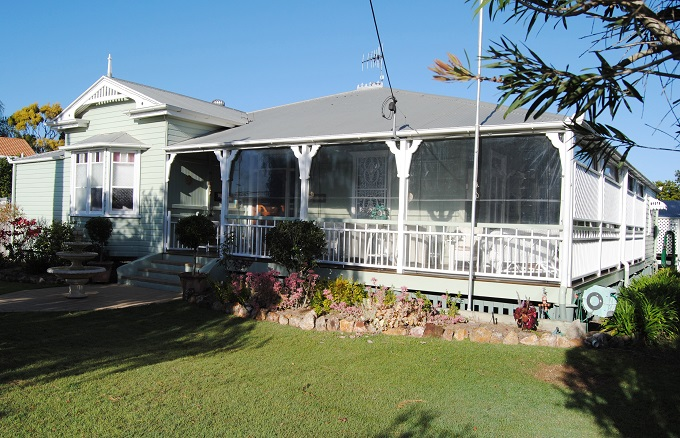 Bundaberg's Inglebrae – a high-tea welcome on the verandah